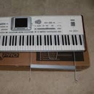 Yamaha MOTIF XS8 88-Key Synthesizer .............€1, 300 EUR