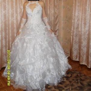 Продам свадебное платье модель 2011 года,  в отличном состоянии